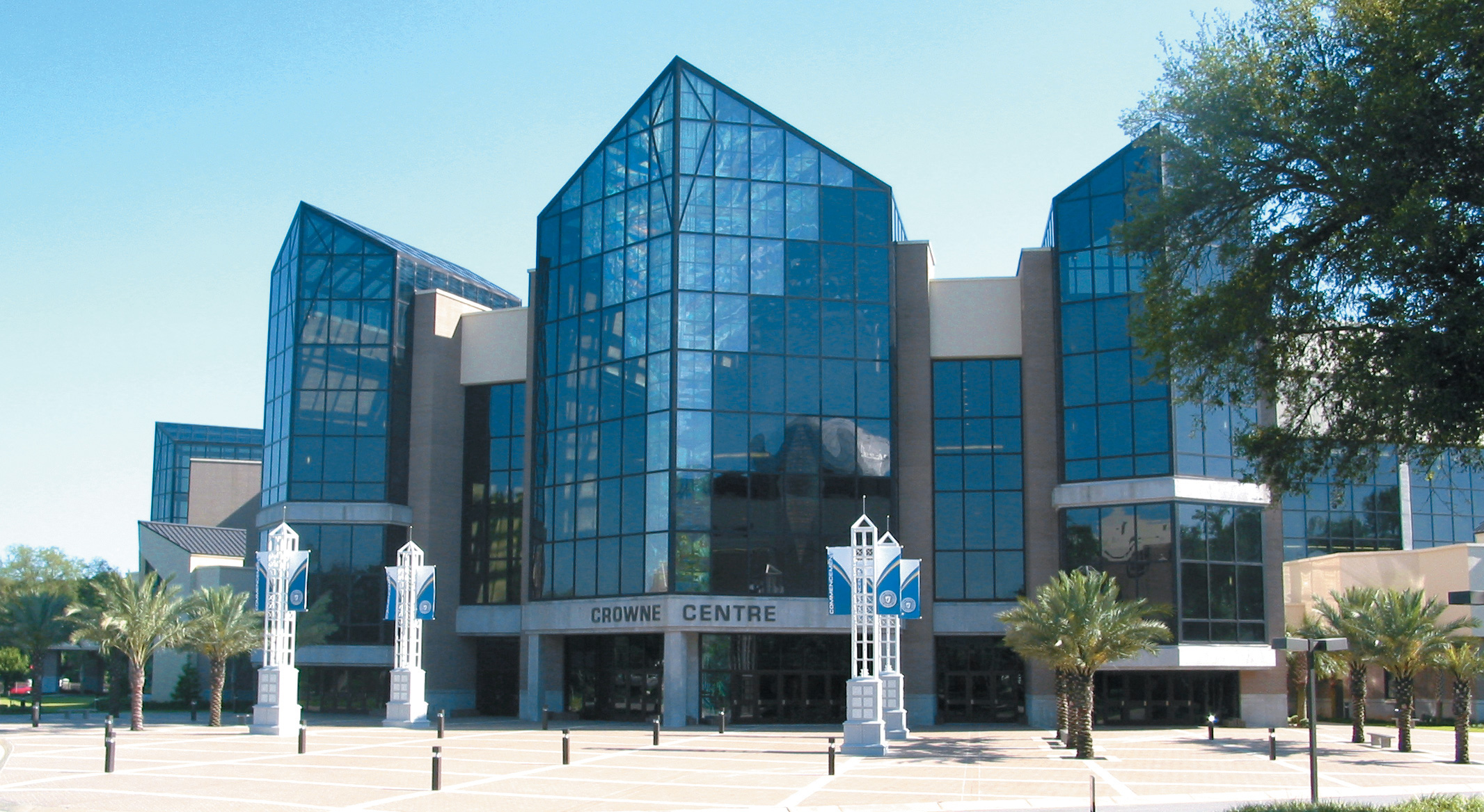 Robertson-Curtis-Commercial-Painting-and-Decorating_PCC-Crowne-Centre-Pensacola-Florida-Main-View-Day