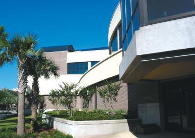 Robertson-Curtis-Commercial-Painting-and-Decorating_PCC-Crowne-Centre-Pensacola-Florida-Side-Angle