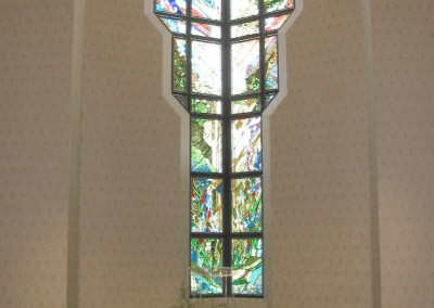 Robertson-Curtis-Commercial-Painting-and-Decorating_PCC-Crowne-Centre-Pensacola-Florida-little-chappel-stained-glass-and-wallpaper